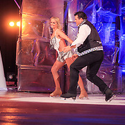 NLD/Hilversum/20130126 - 5e Liveshow Sterren Dansen op het IJs 2013, Jarno Harms en schaatspartner Katy Stainsby