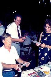 Dilma Rousseff e Raul Pont em um almoco oferecido a Lula pelo PT e pelo PDT no dia 22/ 01/ 1998 no Galpao Crioulo do Parque da Harmonia, em Porto Alegre. Neste ano o Leonel Brizola concorreu como vice-presidente de Lula. FOTO: Sergio Neglia/Preview.com FOTO: Sérgio Néglia/Preview.com