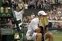 Tennis<br /> Wimbledon 2005<br /> Foto: Colorsport/Digitalsport<br /> NORWAY ONLY<br /> <br /> Roger Federer (Sui) celebrates as  Roddick sits in his chair. Mens singles Final. Roddick v Federer. 3/7/2005. Centre Court. Wimbledon Tennis Championships 2005.