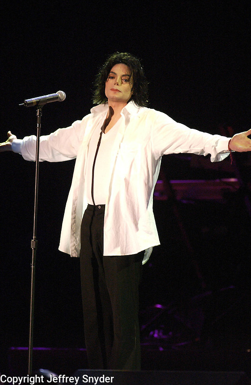 Michael Jackson performing on the United We Stand: What More Can I Give?  benefit concert at RFK Stadium in Washington, DC.  October 21, 2001 (Photo by Jeff Snyder)