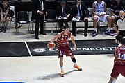 DESCRIZIONE : Bologna Lega A 2015-16 Obiettivo Lavoro Virtus Bologna - Umana Reyer Venezia<br /> GIOCATORE : Michele Ruzzier<br /> CATEGORIA : Palleggio<br /> SQUADRA : Umana Reyer Venezia<br /> EVENTO : Campionato Lega A 2015-2016<br /> GARA : Obiettivo Lavoro Virtus Bologna - Umana Reyer Venezia<br /> DATA : 04/10/2015<br /> SPORT : Pallacanestro<br /> AUTORE : Agenzia Ciamillo-Castoria/GiulioCiamillo<br /> <br /> Galleria : Lega Basket A 2015-2016 <br /> Fotonotizia: Bologna Lega A 2015-16 Obiettivo Lavoro Virtus Bologna - Umana Reyer Venezia