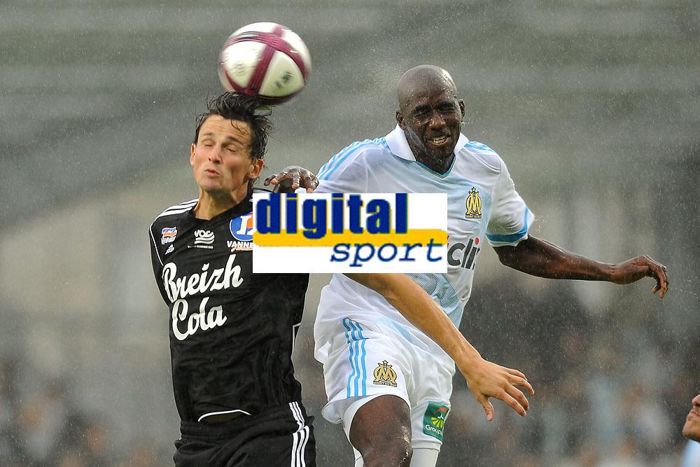 FOOTBALL - FRIENDLY GAMES 2011/2012 - VANNES OC v OLYMPIQUE MARSEILLE  - 8/07/2011 - PHOTO PASCAL ALLEE / DPPI - ALOU DIARRA (OM) / FABIEN JARSALE (VOC)