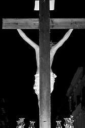 I riti della Settimana Santa a Taranto, Processione dei Misteri, Statua del Cristo in croce