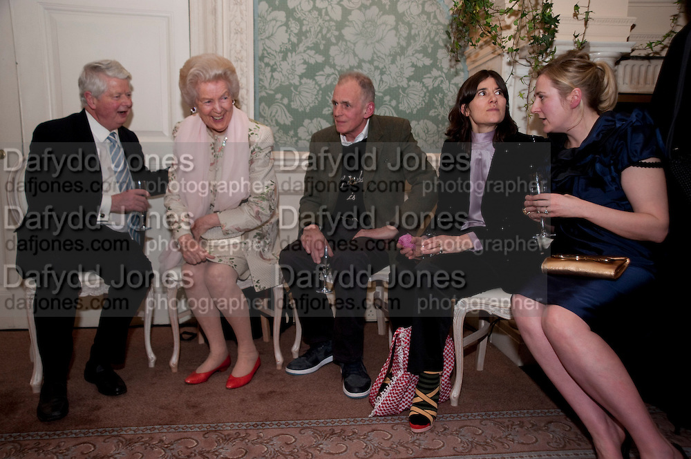 SIR RICHARD BECKETT; THE DOWAGER DUCHESS OF DEVONSHIRE; JAMES FOX; BELLA FREUD; SUSIE BOYT, ; The Dowager Duchess od Devonshire and Catherine Ostler editor of the Tatler host a party to celebrate Penguin's reissue of Nancy Mitford's ' Wigs on the Green.'  The French Salon. Claridge's. London. 10 March 2010.