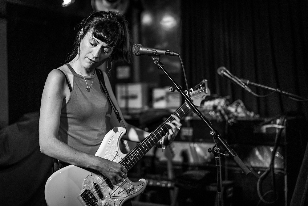 Welsh singer-songwriter Bryde supporting The Joy Formidable at Blue Shell in Cologne