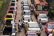 01 MARCH 2008 -- BANGKOK, THAILAND: Traffic on Sukhumvit Rd. in central Bangkok, Thailand. Photo by Jack Kurtz