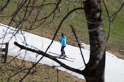 """30.03.2014, Grossdorf, Kals, Frühlings Skilauf im Grossglockner Resort Kals Matrei, im Bild noch bis nach Ostern (21. April 2014) soll der Skibetrieb im Grossglockner Resort aufrecht erhalten werden. Die Verbindungsbahn """"Gamslift"""" wird täglich von zahlreichen Skisportlern genutzt um vom Matreier Teil des Skigebietes zu den Anlagen im Kalser Blauspitzgebiez zu gelangen // until after Easter (April 21, 2014), the skiing is to be maintained in the Grossglockner Resort Kals Matrei. The connection """"Gamslift"""" is daily used by many skiers to get from Matrei part of the ski area to the facilities in the Kals Blauspitz area. Kals, Austria on 2014/03/30. EXPA Pictures © 2014, PhotoCredit: EXPA/ Johann Groder"""