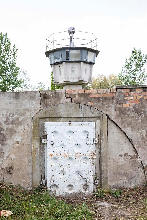 Grenzdenkmal der innerdeutschen Grenze in Hötensleben, Sachsen-Anhalt, Deutschland, 4. Mai 2020<br /> <br /> PICTURED: Beobachtungsturm