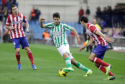 27.10.2013, Estadio Vicente Calderon, Madrid, ESP, Primera Division, Atletico Madrid vs Real Betis, 10. Runde, im Bild Atletico de Madrid's Gabi (L) and Real Betis Didac (C) // Atletico de Madrid's Gabi (L) and Real Betis Didac (C) during the Spanish Primera Division 10th round match between Club Atletico de Madrid and Real Betis at the Estadio Vicente Calderon in Madrid, Spain on 2013/10/28. EXPA Pictures © 2013, PhotoCredit: EXPA/ Alterphotos/ Victor Blanco<br /> <br /> *****ATTENTION - OUT of ESP, SUI*****