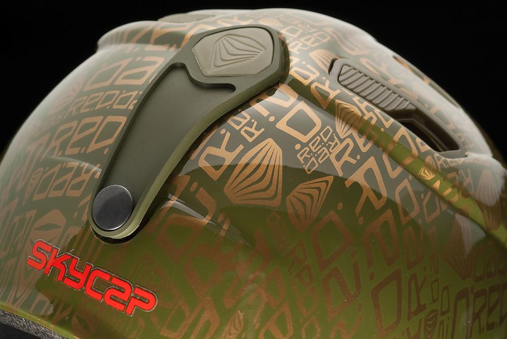 Snowboard helmet. RED protection.<br /> Burton Snowboards.