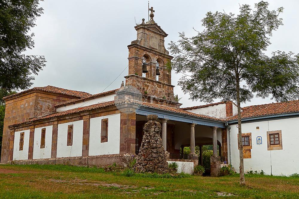 Santa Maria de Llugás. ( Siglo XIII ) Principado de Asturias. España. Europa ©Country Sessions / PILAR REVILLA