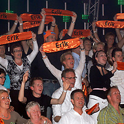 NLD/Hilversum/20070518 - Finale SBS6 So you wannabe a Popstar 2007, fans en familie op de tribune van winaar Eric Hulzebosch