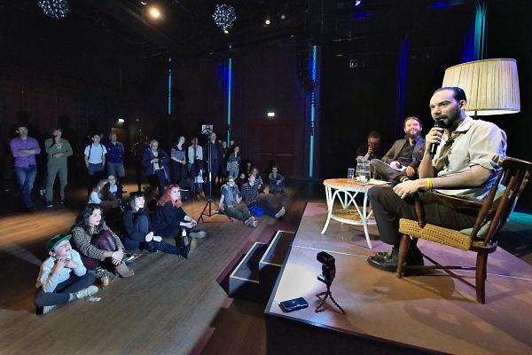 Nederland, Nijmegen, 11-3-2018Meet and Greet met Torre Florim van de Staat. Fans kunnen vragen stellen tijdens een bandjesmiddag voor jonge popbands in cultureel centrum de Lindenberg .Foto: Flip Franssen
