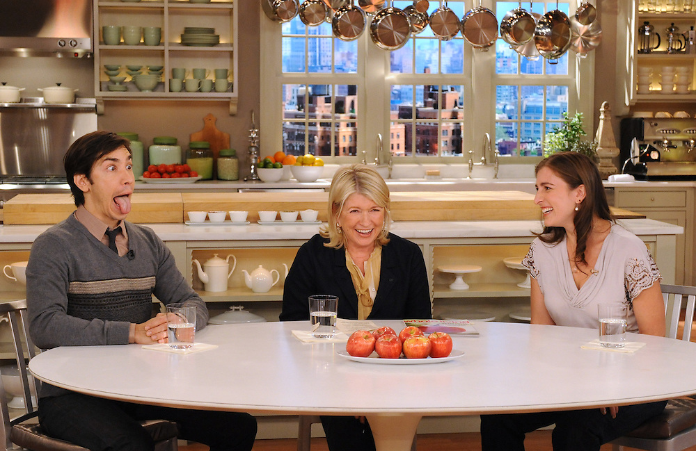 """Actor Justin Long, Martha Stewart and Sophie Herbert perform facial yoga during the production of """"The Martha Stewart Show"""" in New York on Tuesday, September 14, 2010. (Photo: David E. Steele/The Martha Stewart Show)"""