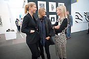 GWYNETH PALTROW; Rosario Saxe Coburg; LADY HELEN TAYLOR, Opening of Frieze 2009. Regent's Park. London. 14 October 2009 *** Local Caption *** -DO NOT ARCHIVE-© Copyright Photograph by Dafydd Jones. 248 Clapham Rd. London SW9 0PZ. Tel 0207 820 0771. www.dafjones.com.<br /> GWYNETH PALTROW; Rosario Saxe Coburg; LADY HELEN TAYLOR, Opening of Frieze 2009. Regent's Park. London. 14 October 2009