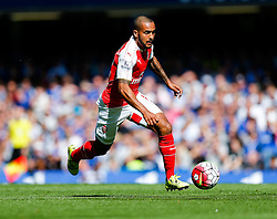 Theo Walcott of Arsenal in action - Mandatory byline: Rogan Thomson/JMP - 07966 386802 - 19/09/2015 - FOOTBALL - Stamford Bridge Stadium - London, England - Chelsea v Arsenal - Barclays Premier League.