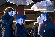 Prinses Beatrix opent Amsterdam Light Festival bij de Stopera in Amsterdam. Tijdens het lichtfestival zijn verschillende sculpturen, projecties en installaties van hedendaagse kunstenaars te zien. <br /> <br /> Princess Beatrix opens Amsterdam Light Festival at the Stopera in Amsterdam. While seeing the light festival are several sculptures, projections and installations by contemporary artists.