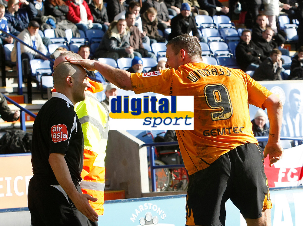 Photo: Steve Bond/Richard Lane Photography. <br />Leicester City v Hull City. Coca Cola Championship. 21/03/2008. Dean Windass (R) give the linesman a friendly pat after Hull score