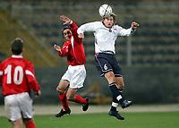 Fotball, 9. februar 2005, Malta, Privatkamp, Malta - Norge, Thorstein Helstad, Norge, og Agius Gilbert, malta