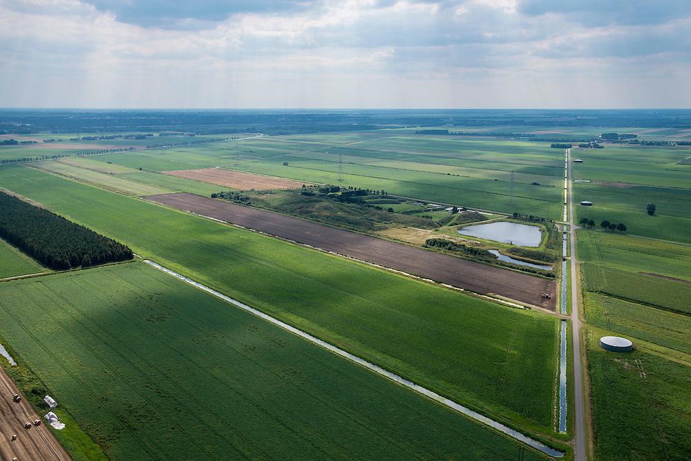Nederland, Groningen, Nieuwe Pekela, 27-08-2013; Nieuwe Zuideraanleg, polder Pekela-Zuidkant. <br /> Platteland met landbouwgrond bij Nieuwe Pekela.<br /> Countryside with agricultural land in New Pekela (North Netherlands).<br /> luchtfoto (toeslag op standaard tarieven);<br /> aerial photo (additional fee required);<br /> copyright foto/photo Siebe Swart.