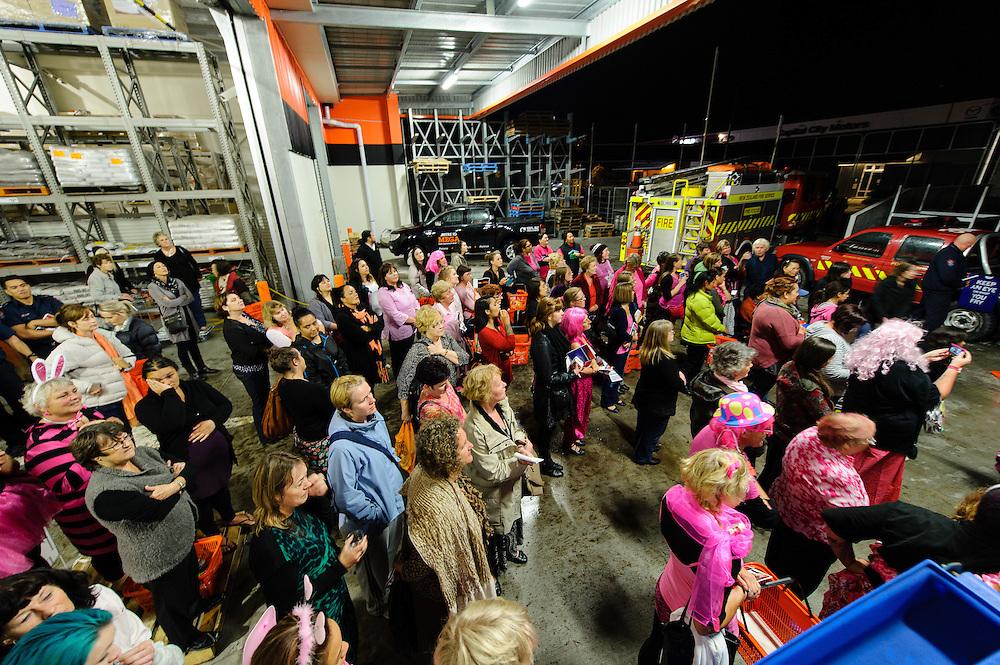 Mitre 10 Mega Porirua Ladies Night. Wednesday April 9, 2014. Photo: Mark Tantrum