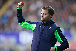 19.01.2014, Liberty Stadion, Swansea, ENG, Premier League, Swansea City vs Tottenham Hotspur, 22. Runde, im Bild Tottenham Hotspur's manager Tim Sherwood celebrates his side's second goal // during the English Premier League 22th round match between Swansea City AFC and Tottenham Hotspur at the Liberty Stadion in Swansea, Great Britain on 2014/01/19. EXPA Pictures © 2014, PhotoCredit: EXPA/ Propagandaphoto/ David Rawcliffe<br /> <br /> *****ATTENTION - OUT of ENG, GBR*****