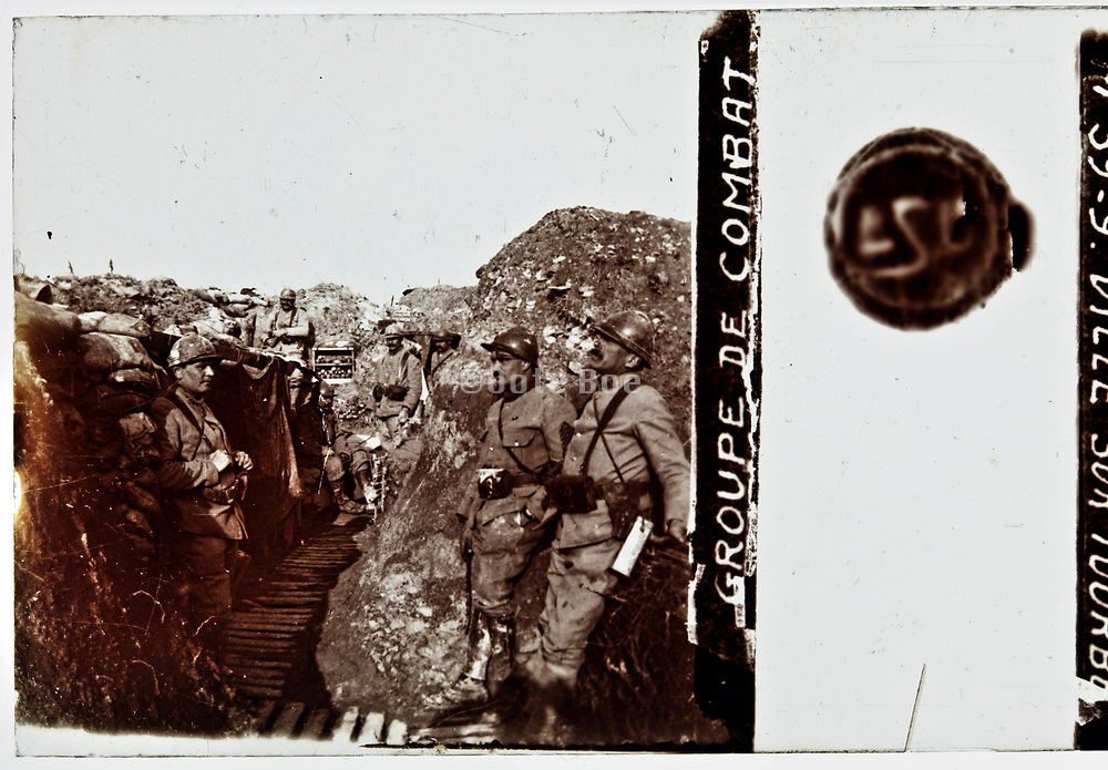WW1 front trenches with soldiers