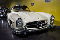 1957 Mercedes-Benz 300 SL Roadster (front)