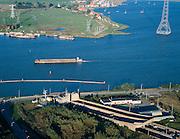 Nederland, Amsterdam, Zeeburgereiland, 17-10-2005; zicht op de ingang van de Zeeburgertunnel onder Buiten-IJ, met aan de horizon het begin van de regio Waterland (en Durgerdam); natuur, milieu, planologie, ruimtelijke ordening, landschap'<br /> luchtfoto (toeslag), aerial photo (additional fee)<br /> foto /photo Siebe Swart