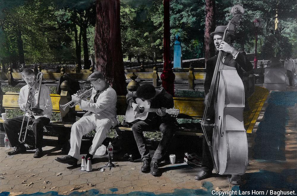NYC in Colors.  Horn/Andersen<br /> Jamming in the park    60x90Kr.     5.000,-<br /> Foto: © Lars Horn / Baghuset<br /> Date : 15.07.13