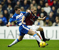 Photgraph: Scott Heavey.<br /> Reading v Ipswich Town. Nationwide Division One. 10/01/2004.<br /> Graeme Murty (L) battles with John McGreal