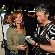 """NLD/Laren/20060412 - Opening restaurant """"Afslag Laren"""" , Leontine Borsato - Ruiters en de mosselman"""