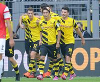 Fotball<br /> Tyskland<br /> 13.09.2014<br /> Foto: Witters/Digitalsport<br /> NORWAY ONLY<br /> <br /> 1:0 Jubel v.l. Adrian Ramos (verdeckt), Erik Durm, Shinji Kagawa, Milos Jojic (Dortmund)<br /> Fussball Bundesliga, Borussia Dortmund - SC Freiburg