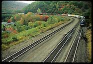 04: RAILROAD HORSESHOW CURVE TRAINS