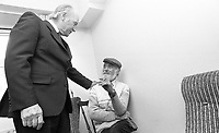 President Patrick Hillery meets with residents of the Dublin Simon Community on their new premises on Ushers Island, Bob Eagar, Chairman of the Dublin Simon Community at the official opening of the centre, Circa September 1989 (Part of the Independent Newspapers Ireland/NLI Collection).