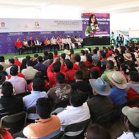 Acambay, México.- Nuvia Mayorga Delgado, directora de la Comisión Nacional para el Desarrollo de los Pueblos indígenas (CDI)  durante la firma de convenio con el GEM para la ejecución del Programa PIBAI.  Agencia MVT / José Hernández