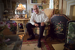 MANSON PROSECUTOR--Vincent Bugliosi, prosecutor for Manson murders and author of ''Helter Skelter'' now leads a quiet life in Pasadena. Photo by David Crane/Los Angeles Daily News (Credit Image: Los Angeles Daily News/ZUMAPRESS.com)