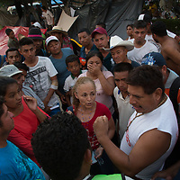 Migrants talk about the caravan in Pijijiapan
