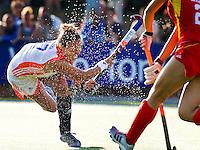 ALKMAAR - MAARTJE PAUMEN, dinsdag tijdens het vierlandentoernooi Rabo Trophy 2010 hockey in Alkmaar  tussen Nederland en China (3-2).  ANP KOEN SUYK