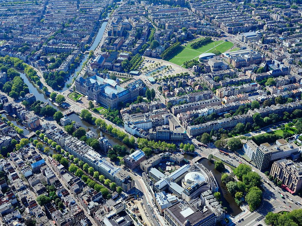Nederland, Noord-Holland, Amsterdam, 02-09-2020; Amsterdam-Zuid, Museumplein met Rijksmuseum. Leidseplein onder in beeld. <br /> <br /> luchtfoto (toeslag op standard tarieven);<br /> aerial photo (additional fee required);<br /> copyright foto/photo Siebe Swart