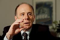 21 JAN 1999, GERMANY/BONN:<br /> Walter Riester, SPD, Bundesarbeitsminister, gibt ein Interview in seinem Büro, Bundesarbeitsministerium, Bonn<br /> Walter Riester, SPD, Minister for Employment, during an interview in his office, Ministry for Employment<br /> IMAGE: 19990121-02/01-20