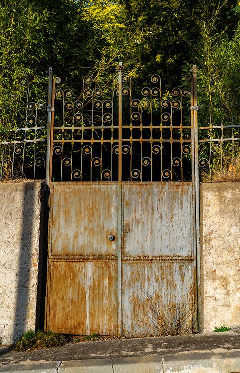 Gate, Camí de Cal Totxo, Tibidabo, Barcelona