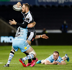 2nd November, Liberty Stadium , Swansea, Wales ; Guinness pro 14's Ospreys Rugby v Glasgow Warriors ;  Cory Allen of Ospreys looks to offload<br /> <br /> Credit: Simon King/News Images<br /> <br /> Photographer Simon King/Replay Images<br /> <br /> Guinness PRO14 Round 8 - Ospreys v Glasgow Warriors - Friday 2nd November 2018 - Liberty Stadium - Swansea<br /> <br /> World Copyright © Replay Images . All rights reserved. info@replayimages.co.uk - http://replayimages.co.uk