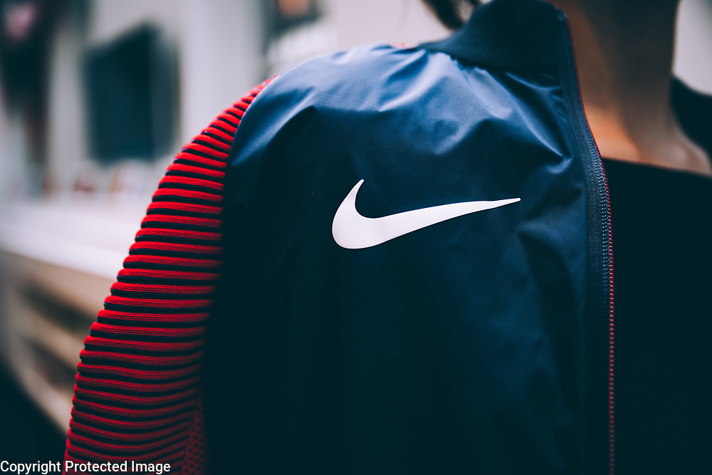 The goal was to help document personal one-on-one sessions at the Nike lab in Soho, as select media members join the Nike design team to customize a unique medal stand jacket in celebration of the 2016 Olympics.<br /> <br /> Images have been used by Nike both in-store and online.
