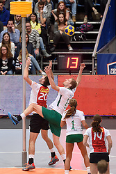 11-04-2015 NED: PKC SWKgroep - TOP Quoratio, Rotterdam<br /> Korfbal Leaguefinale in een volgepakt Ahoy wordt gewonnen door PKC met 22-21 / Friso Bode, Johannis Schot