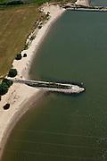Nederland, Gelderland, Gemeente Druten, 08-07-2010; Afferdense en Deestse Waarden, uiterwaarden van de Waal. De kribben van de Waal worden, op termijn verlaagd om er voor te zorgen dat het water - bij hoogwater - sneller richting zee afgevoerd wordt. Onderdeel van het programma Waalweelde (Ruimte voor de Rivier)..Floodplains of the Waal. The cribs of the river will be reduced in height to make sure that the water - at high tide - flows toward the sea more quickly. .luchtfoto (toeslag), aerial photo (additional fee required).foto/photo Siebe Swart