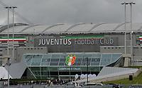 "lo scudetto appeso fuori dallo stadio (Juventus campione d Italia)<br /> Torino 13/05/2012 Stadio ""Juventus stadium""<br /> Serie A 2011/2012<br /> Football Calcio Juventus Vs Atalanta<br /> Foto Insidefoto Alessandro Sabattini"