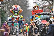 Nederland, Beek, Berg en Dal, 27-2-2017Traditiegetrouw vindt in dit dorp bij Nijmegen en tegen de grens met Duitsland de Rozenmoandag carnavalsoptocht plaats. Alle wagens, praalwagens, carnavalswagens uit de regio komen dan langs want het is de enige optocht.Foto: Flip Franssen