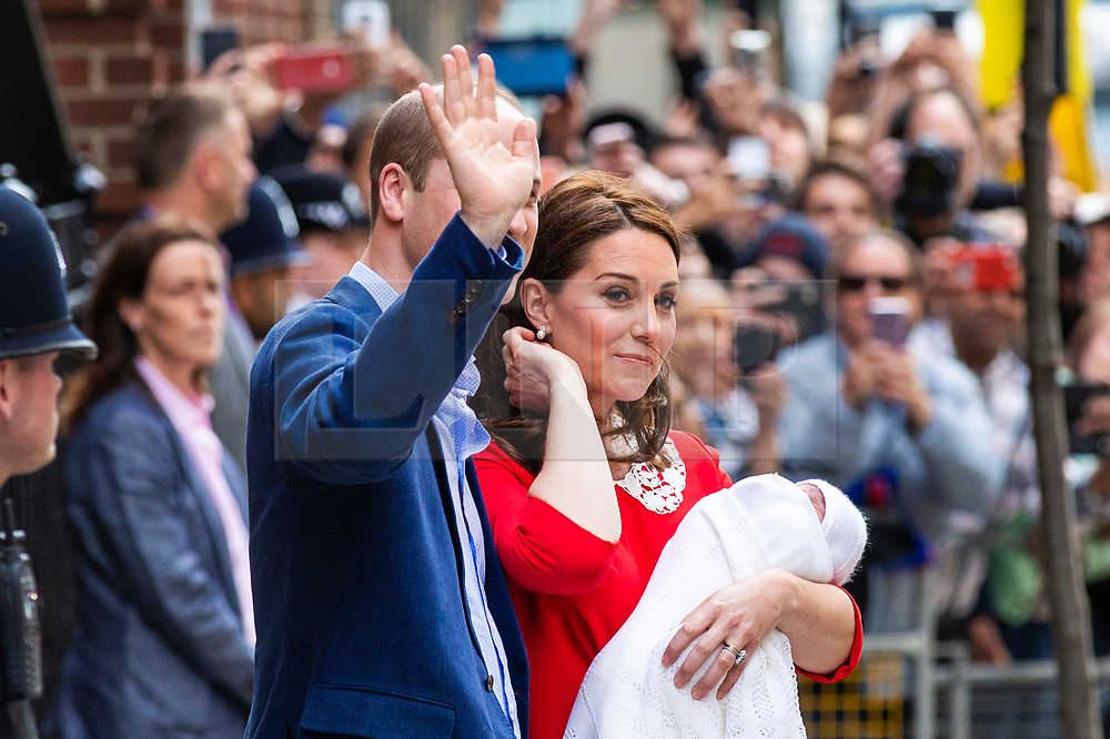 © Licensed to London News Pictures. 23/04/2018. London, UK. HRH The Duchess of Cambridge and HRH Prince William stand outside the Lindo Wing at St Mary's Hospital in London with their newborn baby. The Duchess of Cambridge has given birth to a baby boy, her third child with husband Prince William. Photo credit: Rob Pinney/LNP