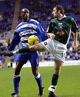 Fotball<br /> England 2004/2005<br /> Foto: SBI/Digitalsport<br /> NORWAY ONLY<br /> <br /> Reading V Plymouth Argyle<br /> The Coca_Cola Championship.<br /> Madejski Stadium<br /> 05/02/2005<br /> <br /> Reading's Ibrahima Sonko and Plymouth's Tony Capaldi